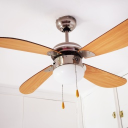 Electric ceiling lamp with propeller